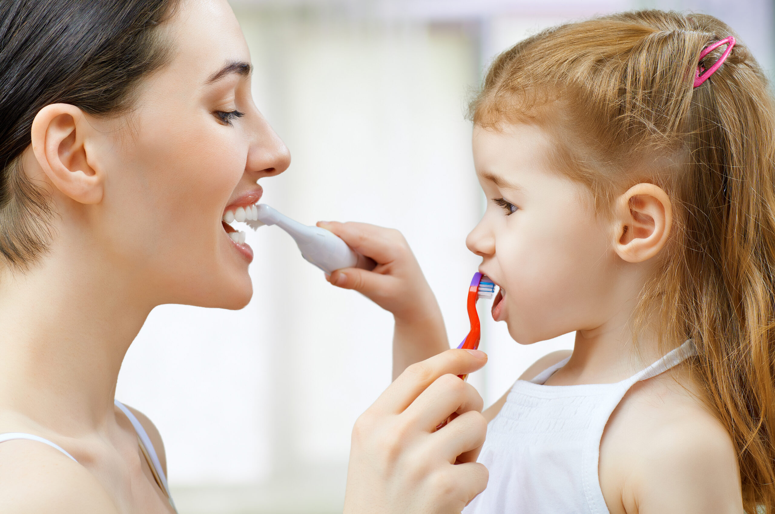 Jak nauczyć małe dziecko myć zęby